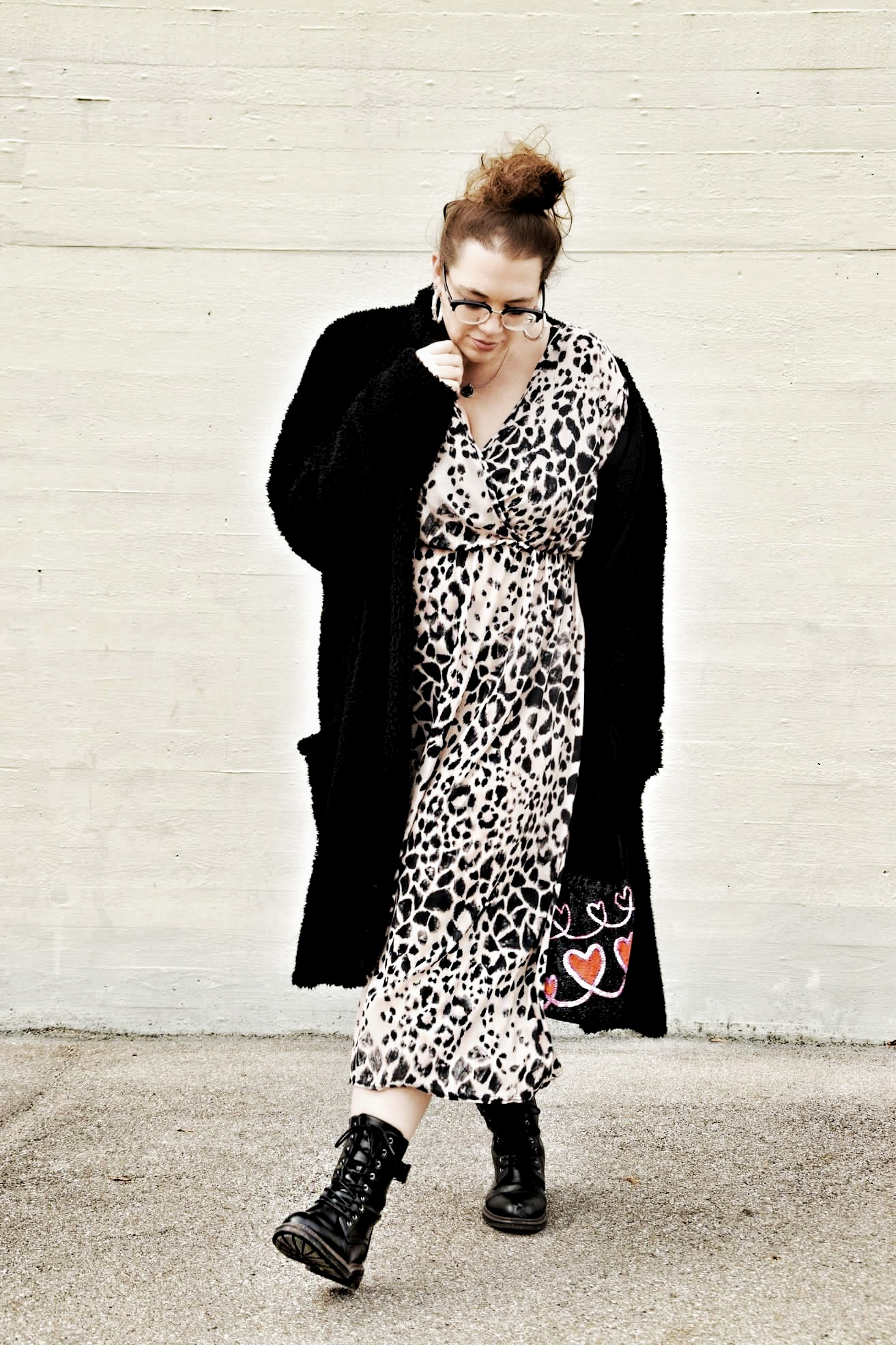 Outfit : Mididress mit Animalprint boohoo plus_3