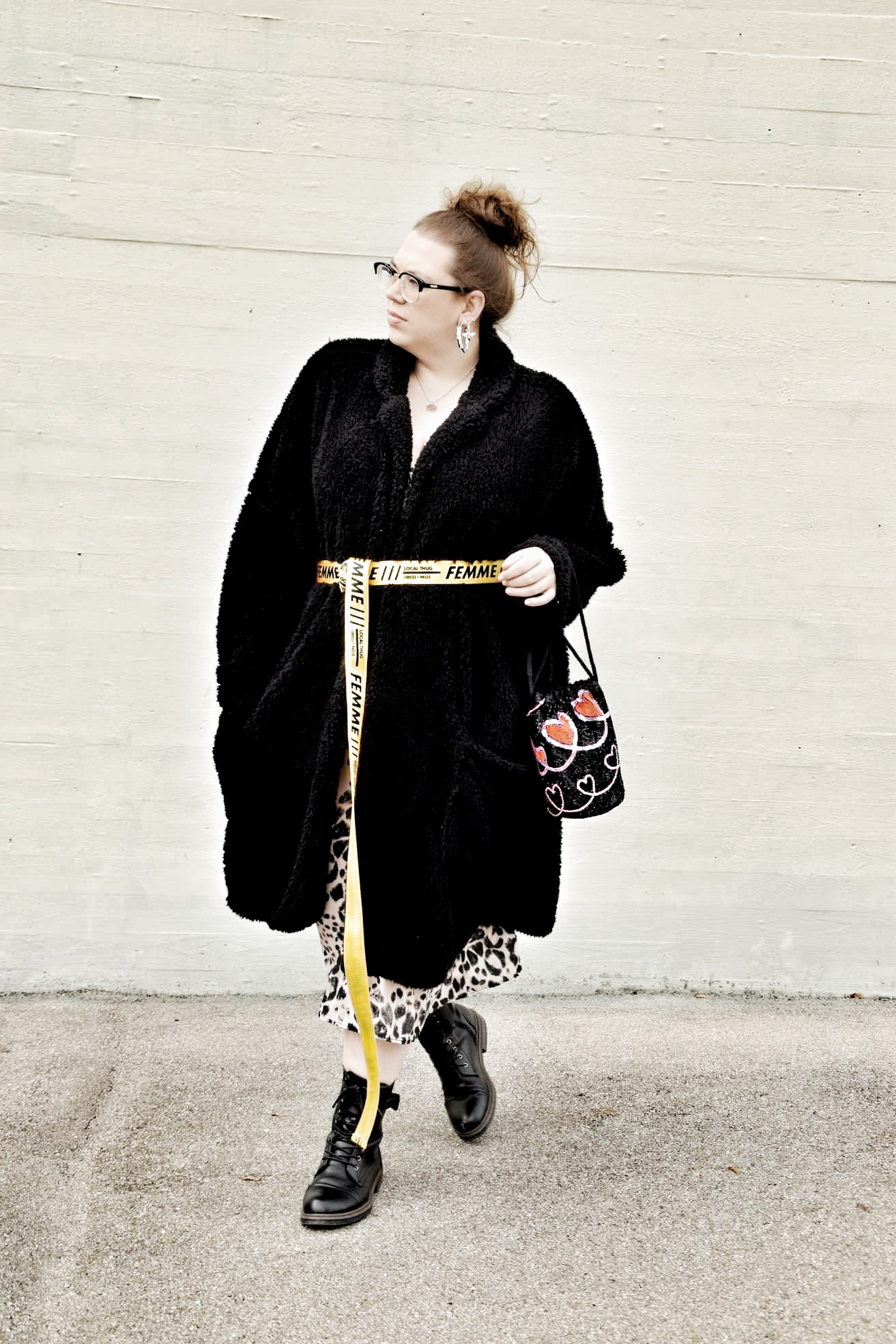 Outfit : Mididress mit Animalprint boohoo plus_4